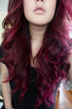 Cherry hair colors, dark pink hair, plum hair, burgundy hair, hair co Dye My Hair, New Hair, Pelo Color Borgoña, Hair Color Purple, Red Purple, Color Black, Burgundy Hair Colors, Burgundy Suit, Pastel Red