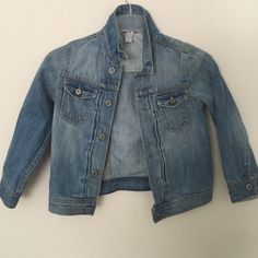 c5ef1328 Gap Jean Jacket 5 yr old Girls Jean jacket barely used. Like new GAP Jackets