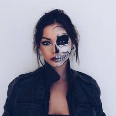 halloween costumes makeup Boo Love this Artist: Fröhliches Halloween, Halloween Karneval, Cute Halloween Makeup, Halloween Outfits, Sugar Skull Halloween, Halloween Inspo, Halloween Images, Couple Halloween, Half Skeleton Face