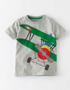 T-Shirt mit Fahrzeugapplikation