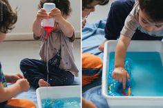 Brinquedos presos no gelo / Fronzen Water