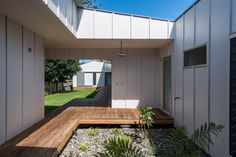 Gallery of Blueys Beach House 5 / Bourne Blue Architecture - 5