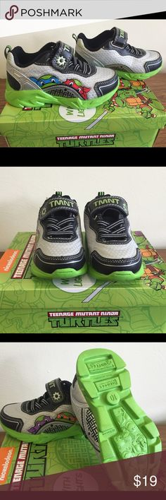 New Teenage Mutant Ninja Turtles Light Up Shoes New with the box Teenage  Mutant Ninja Turtles