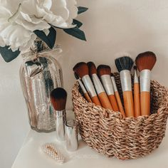 Body Shop At Home, The Body Shop, Bronze Makeup Look, Makeup Drawer, Soft And Gentle, Foundation Brush, Makeup Brushes, Makeup Looks, Bamboo