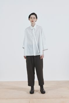 Y's Pre-Fall 2020 Collection - Vogue Fashion News, Fashion Show, Fashion Design, Fashion Styles, Vogue, Yohji Yamamoto, Models, White Shirts, Shirt Style