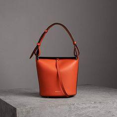 2b7e4ddce1 Burberry The Small Leather Bucket Bag Borsette Burberry, Borse In Pelle,  Borsa Arancione,
