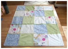 Easy to make and super simple patchwork baby quilt. Great for begginer sewing and making handmade baby stuff, and makes a fabulous gift too.