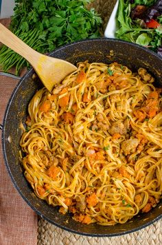 Slimming Eats Syn Free Paprika Chicken with Roasted Butternut Squash and Linguine - Slimming World and Weight Watchers friendly Slimming World Dinners, Slimming Eats, Slimming World Recipes, Linguine, Healthy Eating Recipes, Cooking Recipes, Delicious Recipes, Bread Recipes, Healthy Foods