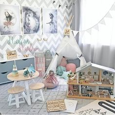 Such a fun room @hudson_and_harlow has created for her babes!! Just a reminder we have now received our final shipment of Mrs Mighetto prints!! Once this limited edition collection has sold out, that's it!! Don't miss out on one of these magical pieces. We also have one lucky last Adventure Rug by Oyoy remaining!! Store link in our bio x