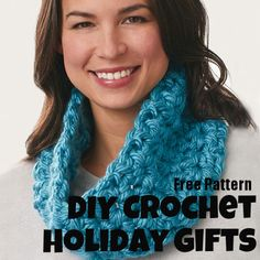 Crochet a lovely v-stich cowl for holiday gifts this season! Craft what you love to give to who you love!  Free crochet pattern here!