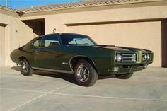 1969 PONTIAC GTO RAM AIR IV - Barrett-Jackson Auction Company - World's Greatest Collector Car Auctions