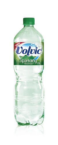 Volvic Sparkling launches alongside new flavours for 2014 Water Packaging, Water Branding, Beverage Packaging, Bottle Packaging, Water Bottle Design, Water Bottle Labels, Pet Bottle, Water Bottles, Bottled Water
