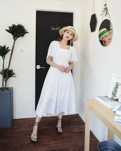 Korean Fashion Trends you can Steal – Designer Fashion Tips Casual Summer Dresses, Trendy Dresses, Cute Dresses, Vintage Dresses, Vintage Outfits, Fashion Dresses, Korean Fashion Trends, Korea Fashion, Asian Fashion