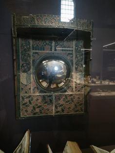 Musee de cluny 14th Century, Bathing, Cosmetics, Mirror, Home Decor, Bath, Decoration Home, Swim, Room Decor
