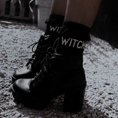 Aesthetic Shoes, Aesthetic Girl, Marilyn Monroe, Sabrina Spellman, Owl House, Dark Wallpaper, Jason Todd, My Vibe, Wattpad