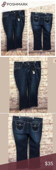 "South Pole Boot Cut Plus Size 20 Jeans Free Style Waist 22"" across front, laying flat  Inseam 33""  Smoke free  W28 South Pole Boot Cut Plus Size 20 Jeans Free Style Low Rose Fleur De Lis Jewels southpole Jeans Flare & Wide Leg"