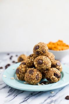 Kick up your energy during the day with these easy healthy Pumpkin Chocolate Chip Cookie Energy Bites! The perfect bite of pumpkin this fall and great for a midday snack!