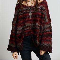 Free People slouchy sweater Never worn. Good condition Free People Sweaters Shrugs & Ponchos