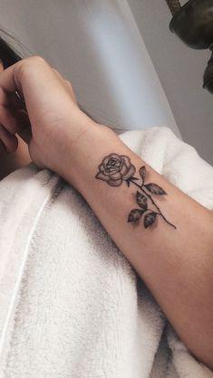 Dainty Tattoos, Dope Tattoos, Pretty Tattoos, Unique Tattoos, Beautiful Tattoos, Body Art Tattoos, Tatoos, Rose Tattoos For Women, Tattoos For Women Small