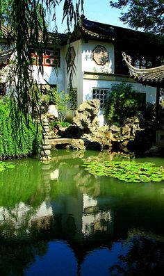 Lingering Garden reflections in Suzhou, China (by Luciana Adriyanto)