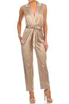 -+Sleeveless+ -+Relaxed+Fit+Jumpsuit+ -+Collared+ -+Wrapped+Front+ -+V-neck -+Cinched+Waist+ -+Waist+Tie -+Side+Pockets -+Fits+True+To+Size+  Check+our+Sizing+Chart+for+sizing+info+