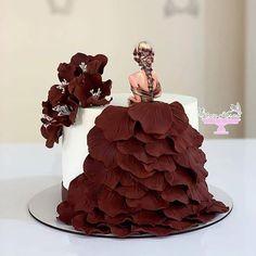 """Amazing World Talents on Instagram: """"⬅️ Follow   Cake ❤ from @negin_karma . . . #Weddingday #Weddingphoto #Weddingideas #Foodie #Cake #Weddingcake #Yummy #Ilovefood #Dessert…"""" Gorgeous Cakes, Amazing Cakes, Girly Birthday Cakes, Cake Decorating Piping, Red Cake, Sandwich Cake, Cakes For Women, Cake Decorating Techniques, Food Crafts"""