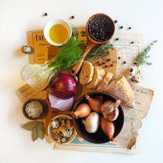 © Aidan Sartin Conte • French Baguette • Olio Evo • Onion • Shallots • Garlic • Quail eggs • Juniper Berries • Thyme • Bay Leaves • Fennel • Light Grey Celtic Sea Salt