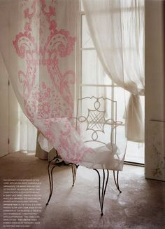 poppytalk: Carolyn Quartermaine - a close-up Cottage Rose, Bungalow, Wedding Decor, Design Rustique, Vogue Living, Pink Houses, Sheer Curtains, Luxury Curtains, Elegant Curtains
