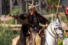 Viking Leader, Puy du Fou, France,By Alika Arabian Knights, Grand Parc, Character Poses, Fantasy Books, Interesting Faces, Cool Costumes, Art Reference, Equestrian, Costume Box