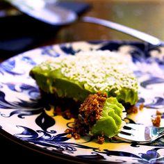 What is an avocadeese cake? It's like a cheese cake but made with avocados. Honestly the avocado cream tastes like yoghurt. Avocado Cream, Ripe Avocado, Ingredients For Biscuits, Matcha Tea Powder, Pecan Nuts, Green Tea Powder, Ginger Cookies, Healthy Options, The Dish