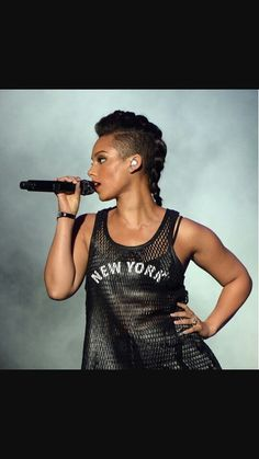 Hairstyles 20 Awesome Undercut Hairstyles for Women - Part 14 Why have a Wedding Video? Braided Mohawk Hairstyles, Curly Mohawk, Shaved Side Hairstyles, Mohawk Braid, Braided Hairstyles For Black Women, African Braids Hairstyles, Prom Hairstyles, Black Hairstyles, Braided Updo