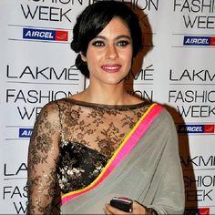 Kajol-in-sheer-saree-blouse