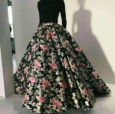 Akemi ❤ - Akemi ❤ Source by jeniferbaj - Indian Gowns Dresses, Indian Fashion Dresses, Indian Designer Outfits, Pakistani Dresses, Designer Dresses, Long Gown Dress, Lehnga Dress, Indian Wedding Outfits, Bridal Outfits