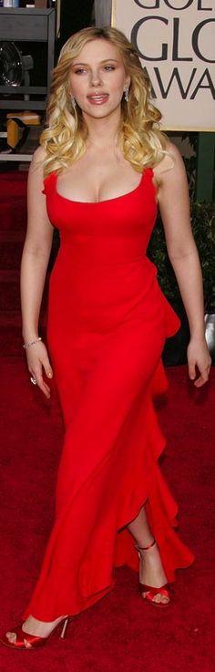 Scarlett Johansson in red.      #red #dress