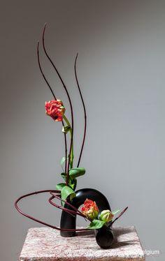 Curves Ikebana: Ilse Beunen Photography: Ben Huybrechts