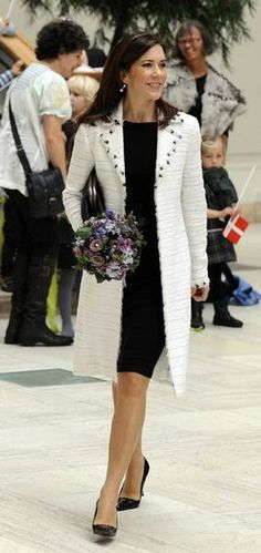 Crown Princess Mary              http://mediacdn.disqus.com/uploads/mediaembed/images/207/6103/original.jpg
