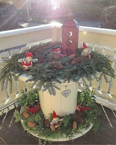 #kabeltrommel • Instagram photos and videos Christmas Wood, Country Christmas, Homemade Christmas, Christmas Holidays, Christmas Wreaths, Christmas Crafts, Christmas Decorations, Christmas Ornaments, Holiday Decor