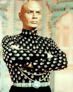 Yul Brynner at Hollywood Cult Movies Yul Brynner, Deborah Kerr, Classic Hollywood, Old Hollywood, Hollywood Icons, Beautiful Men, Beautiful People, Herbert Lom, Actrices Hollywood