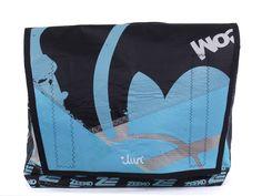 Tasche aus recyceltem Kitesegel von diirt bei Kult-Design-Unikate