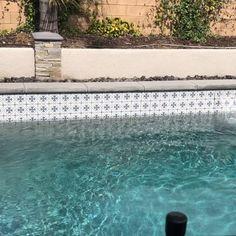 Martia, x box, 22 pcs) – Porcelain Pool Tile – Decor is art Swimming Pool Tiles, Swimming Pools Backyard, Swimming Pool Designs, Garden Pool, Spanish Pool, Waterline Pool Tile, Pool Remodel, Backyard Pool Designs, Modern Pools