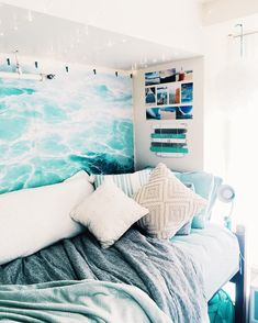 99 Amazing Dorm Room Decorating Ideas – – Summer is quickly passing and the start of school is around the corner. For those of you who are heading off to college, it is time to begin thinking … 99 Amazing Dorm Room Decorating Ideas – Surf Room, Ocean Room, Dream Rooms, Dream Bedroom, Pretty Bedroom, Dorm Room Designs, Design Room, Bedroom Designs, Bed Design