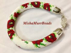 Necklace Poppies on a white background от MishaMurrBeads на Etsy