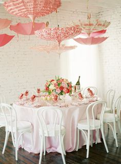 Baby Shower en rosa. However, I like the idea for more than a baby shower- love the umbrellas and the color scheme for a summer/spring party. So pretty.
