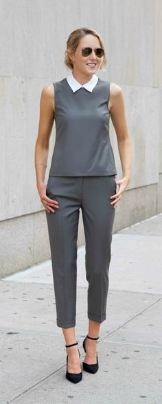 olive green matching set: sleeveless crop top with detachable collar, cuffed crop wool pants + black ankle strap pumps {theory, work wear, suit alternative} Street Look, Office Fashion, Work Fashion, Street Fashion, Chic Outfits, Pretty Outfits, Cozy Winter Outfits, Grey Outfit, Street Style Trends