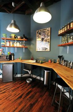 I want this wrap around counter/desk for my office. (Even though this design is a kitchen) Small Kitchen Design Ideas Worth Saving | Apartment Therapy