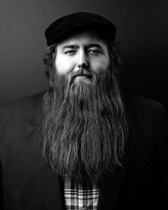 Want a straighter beard? Check out the best straight beard styles and learn how to achieve them (even if you have a curly beard!) with beard straightening products like beard balm and beard straightening combs and brushes. Beards And Mustaches, Long Beard Styles, Hair And Beard Styles, Great Beards, Awesome Beards, Best Beard Oil, Natural Beard Oil, Beard Straightening, Beard Styles