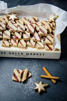 If you like the Linzer Torte, you will love these Christmas biscuits! Cinnamon short pastry with fruity red currant jam cut into small strips. Christmas Biscuits, Christmas Baking, Christmas Recipes, Short Pastry, Cookie Recipes, Dessert Recipes, Shortcrust Pastry, Christmas Cookies, Sweet Recipes