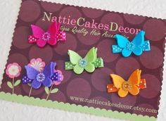 Felt Butterfly Hair Clips yes Ribbon Crafts, Ribbon Bows, Felt Crafts, Felt Hair Clips, Flower Hair Clips, Felt Flowers, Fabric Flowers, Felt Hair Accessories, Barrettes