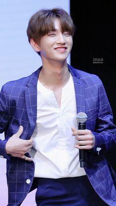 Why is Joshua like this. Woozi, Mingyu Wonwoo, Seungkwan, Joshua Seventeen, Seventeen Album, Jisoo Seventeen, Vernon, Hip Hop, Choi Hansol