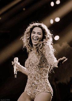 Beyonce Knowles Carter, Beyonce And Jay Z, Rihanna, Pretty People, Beautiful People, Beyonce Performance, Divas, Jennifer Lopez, Beyonce Style